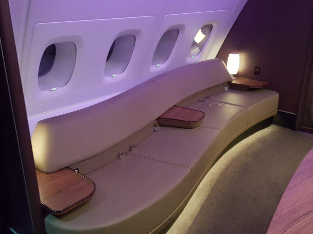 qatar-airways-cdg-doh-primera-clase-a380-173051