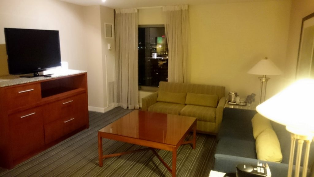 Sheraton Kansas City - Crown Lounge - 3